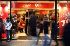 Διάσημη όψη οδών της Οξφόρδης σχετικά με την πώληση Χριστουγέννων Στοκ Εικόνες
