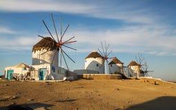 Διάσημοι μύλοι στο νησί της Μυκόνου στοκ εικόνα