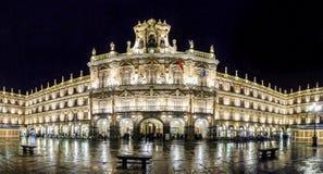 Διάσημος δήμαρχος Plaza σε Σαλαμάνκα τη νύχτα, Καστίλλη Υ Leon, Ισπανία Στοκ εικόνες με δικαίωμα ελεύθερης χρήσης