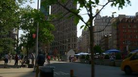 Διάσημος επίπεδος σίδηρος του Μανχάταν που χτίζει το τετραγωνικό πανόραμα 4k Νέα Υόρκη ΗΠΑ απόθεμα βίντεο