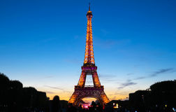 Διάσημος πύργος του Άιφελ κατά τη διάρκεια των εορτασμών της γαλλικής εθνικής εορτής - ημέρα Bastille Στοκ Εικόνες