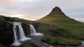 Διάσημο βουνό Kirkjufell στην Ισλανδία απόθεμα βίντεο