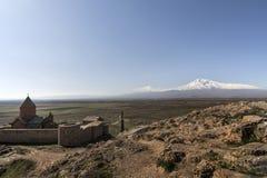 Διάσημο μοναστήρι Hor Virap με το βουνό Ararat στο υπόβαθρο _ Στοκ εικόνες με δικαίωμα ελεύθερης χρήσης
