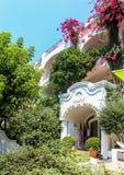 Διάσημο νησί Capri στην Ιταλία και το διάσημο στοκ εικόνες με δικαίωμα ελεύθερης χρήσης