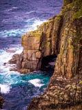 Διάσημο ορόσημο στην Κορνουάλλη - τέλος εδαφών στην Κελτική Θάλασσα στοκ φωτογραφία με δικαίωμα ελεύθερης χρήσης