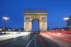 Διάσημο Arc de Triomphe τή νύχτα Στοκ Φωτογραφίες
