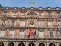 Διάσημο Plaza δήμαρχος Square στην ιστορική περιοχή της Μαδρίτης Στοκ Φωτογραφία