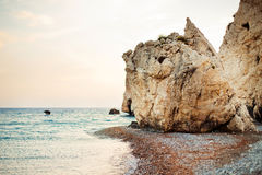 Διάσημο seascape του βράχου της παραλίας Aphrodite Στοκ Φωτογραφία