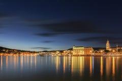 Διάσπαση τη νύχτα Στοκ Εικόνες
