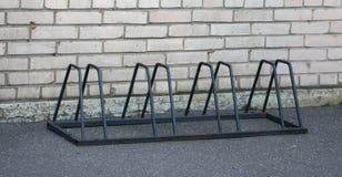 Διάστημα χώρων στάθμευσης για τα ποδήλατα στοκ εικόνες