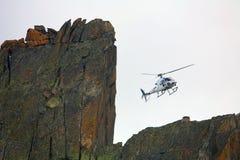 διάσωση βουνών ελικοπτέρων Στοκ εικόνα με δικαίωμα ελεύθερης χρήσης