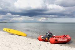 Διάσωση κυματωγών στην παραλία Στοκ φωτογραφίες με δικαίωμα ελεύθερης χρήσης