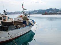 Διάφορα αλιευτικά σκάφη δένονται Στοκ εικόνα με δικαίωμα ελεύθερης χρήσης