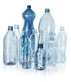 Διάφορα είδη κενών μπουκαλιών νερό - που απομονώνονται στοκ εικόνες