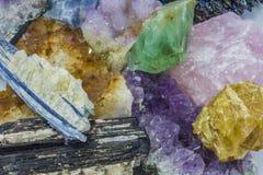 Διάφορα κρύσταλλα σε έναν σωρό Στοκ φωτογραφία με δικαίωμα ελεύθερης χρήσης