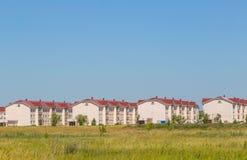 Διάφορα νέα σπίτια χαμηλός-ανόδου Στοκ εικόνα με δικαίωμα ελεύθερης χρήσης