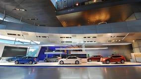 Διάφορα οχήματα της BMW στην επίδειξη στον κόσμο της BMW Στοκ Φωτογραφίες