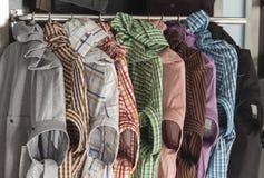 Διάφορα πρότυπα των πουκάμισων ατόμων ` s Στοκ Εικόνες