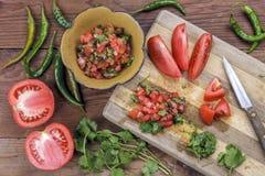 Διάφορα συστατικά για να κάνει το salsa Στοκ Εικόνες