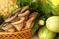 Διάφορα φρέσκα λαχανικά για την υγιή κατανάλωση Στοκ Εικόνες