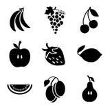 Διάφορα φρούτα σε ένα άσπρο υπόβαθρο Στοκ εικόνα με δικαίωμα ελεύθερης χρήσης