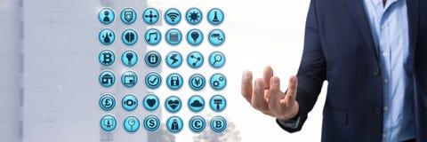 Διάφορα app εικονίδια και επιχειρηματίας με την παλάμη χεριών ανοικτή στην πόλη Στοκ φωτογραφίες με δικαίωμα ελεύθερης χρήσης