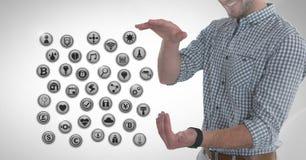Διάφορα app εικονίδια και επιχειρηματίας με την παλάμη χεριών ανοικτή στην πόλη Στοκ φωτογραφία με δικαίωμα ελεύθερης χρήσης