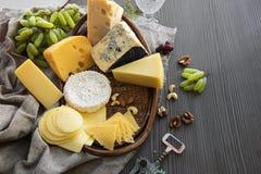 Διάφοροι τύποι συνόλων τυριών στοκ φωτογραφίες