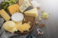 Διάφοροι τύποι συνόλων τυριών στοκ εικόνες με δικαίωμα ελεύθερης χρήσης