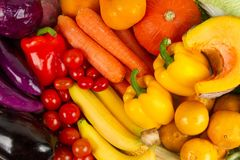 Διάφορος των φρέσκων φρούτων και λαχανικών μικτών στοκ εικόνα