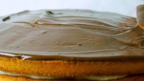 Διάδοση της σοκολάτας πέρα από το κέικ, βίντεο κινηματογραφήσεων σε πρώτο πλάνο απόθεμα βίντεο