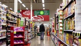 Διάδρομος προϊόντων καραμελών και δημητριακών απόθεμα βίντεο