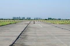 Διάδρομος στον αερολιμένα στην Κριμαία στοκ φωτογραφία με δικαίωμα ελεύθερης χρήσης