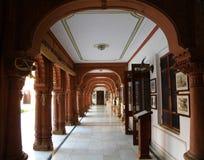 Διάδρομος του παλαιού παλατιού στο Rajasthan, Ινδία Στοκ Εικόνες