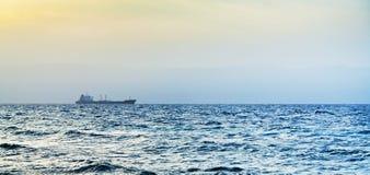 διαβασμένο μπλε ηλιοβασίλεμα θάλασσας Στοκ Φωτογραφία
