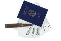 Διαβατήριο στο λευκό Στοκ εικόνα με δικαίωμα ελεύθερης χρήσης