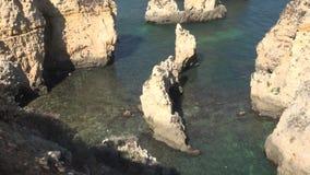 Διαβρωμένοι νερό σχηματισμοί βράχου φιλμ μικρού μήκους