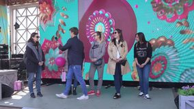Διαγωνισμοί για τις εγκύους γυναίκες από το κανάλι Domashny φιλμ μικρού μήκους