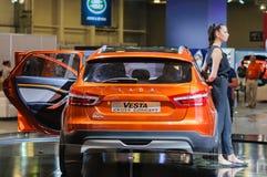 Διαγώνια έννοια Lada Vesta διασταυρώσεων Στοκ εικόνες με δικαίωμα ελεύθερης χρήσης