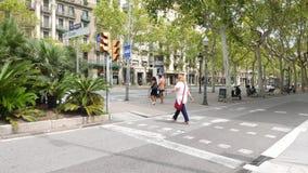 Διαγώνια οδός ανθρώπων, διαγώνιος λεωφόρων, Βαρκελώνη απόθεμα βίντεο