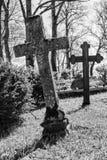 Διαγώνια ταφόπετρα στο νεκροταφείο στοκ φωτογραφία με δικαίωμα ελεύθερης χρήσης