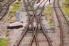 Διαγώνιες σιδηροδρομικές γραμμές Στοκ εικόνα με δικαίωμα ελεύθερης χρήσης