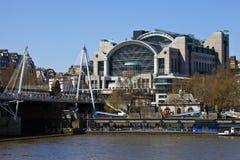 Διαγώνιος σταθμός Charing στο Λονδίνο στοκ εικόνα με δικαίωμα ελεύθερης χρήσης