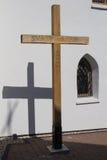 Διαγώνιο και γοτθικό παράθυρο της εκκλησίας Στοκ εικόνα με δικαίωμα ελεύθερης χρήσης