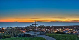Διαγώνιο ορόσημο πέρα από τα φω'τα πόλεων Ventura στοκ εικόνες με δικαίωμα ελεύθερης χρήσης