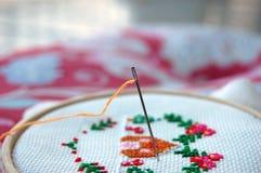 Διαγώνιο ράψιμο και βελόνα Στοκ φωτογραφία με δικαίωμα ελεύθερης χρήσης
