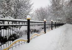 Διαγώνιο υπόβαθρο πόλεων φρακτών χειμερινών πάρκων Στοκ Φωτογραφίες