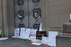 Διαδήλωση διαμαρτυρίας στο συνεχές ρεύμα στοκ φωτογραφίες