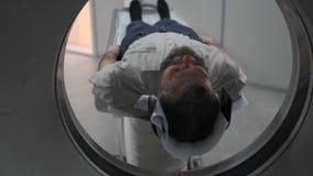 Διαδικασία της εργασίας των tomograph Τα μέρη του ειδικού ιατρικού εξοπλισμού κινούνται, ενώ απόθεμα βίντεο
