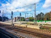 Διαδρομές και πλατφόρμα του σιδηροδρομικού σταθμού της Βρέμης, Βρέμη, Γερμανία Στοκ φωτογραφία με δικαίωμα ελεύθερης χρήσης